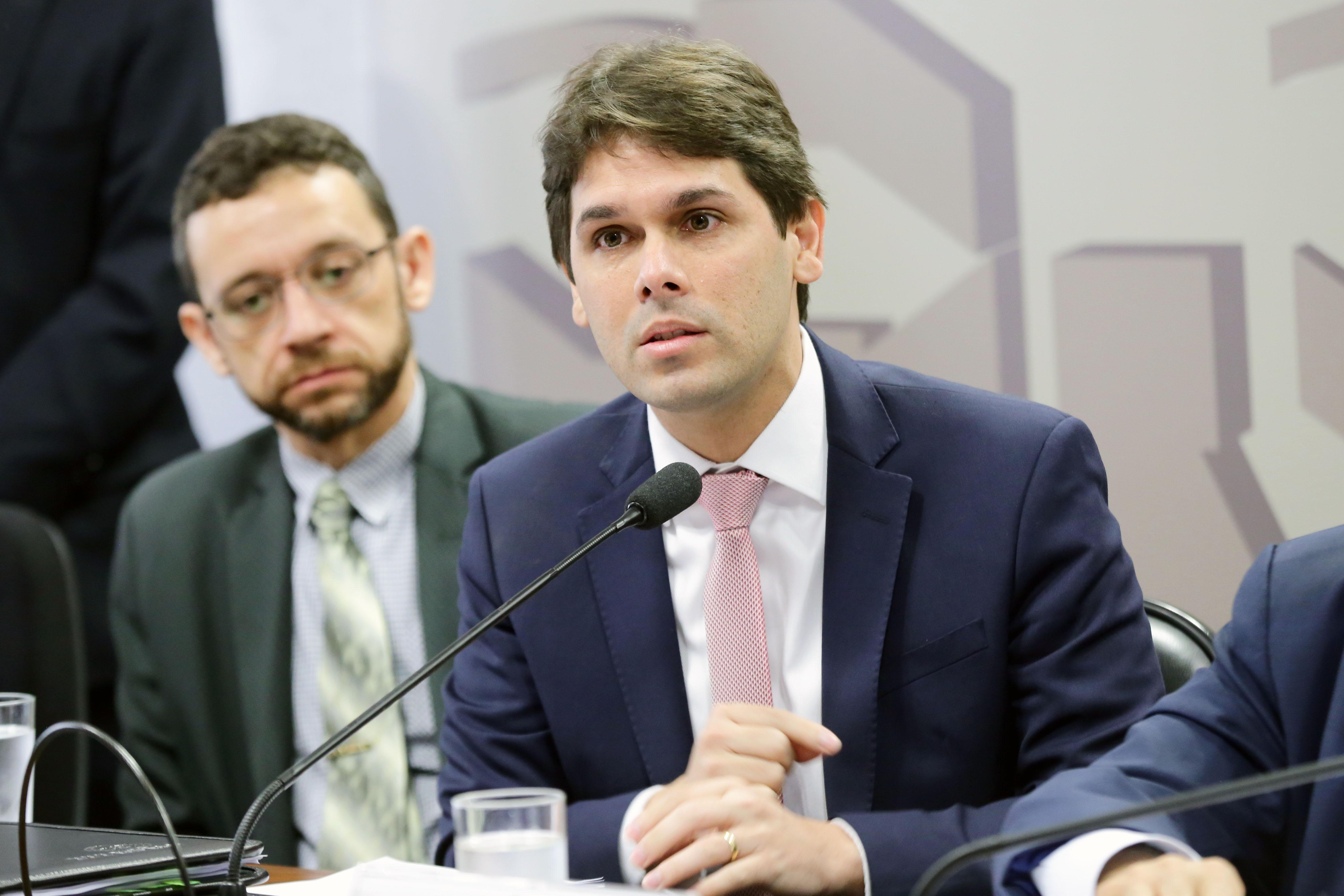 INSS espera economia de R$ 5 bi por mês