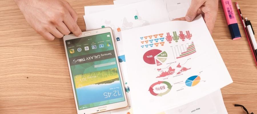mesa escritorio celular e graficos