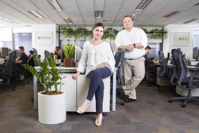 Casal-ambiente-trabalho